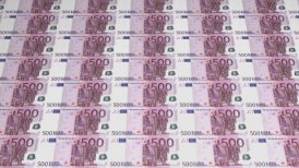500 Euro Currency Banknotes - motion graphic