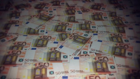 50 Euros travelling 01 - stock footage