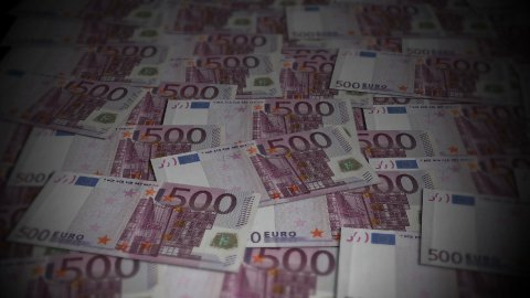 500 Euros travelling 01 - stock footage