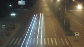 timelapse traffic light streaks at night