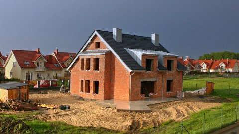Editorial Video: Construction Of The House, Time-Lapse, 2 Years. Walls Going Up. - stock footage